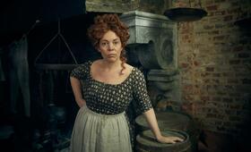 Les Misérables, Les Misérables - Staffel 1 mit Olivia Colman - Bild 1