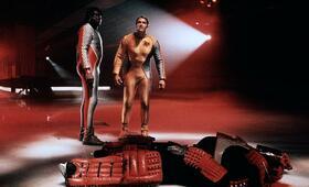 Running Man mit Arnold Schwarzenegger und Yaphet Kotto - Bild 209