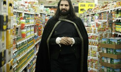 What We Do in the Shadows, What We Do in the Shadows - Staffel 1 mit Kayvan Novak - Bild 10