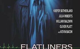 Flatliners - Heute ist ein schöner Tag zum Sterben mit Kevin Bacon, Julia Roberts, Kiefer Sutherland, Oliver Platt und William Baldwin - Bild 6