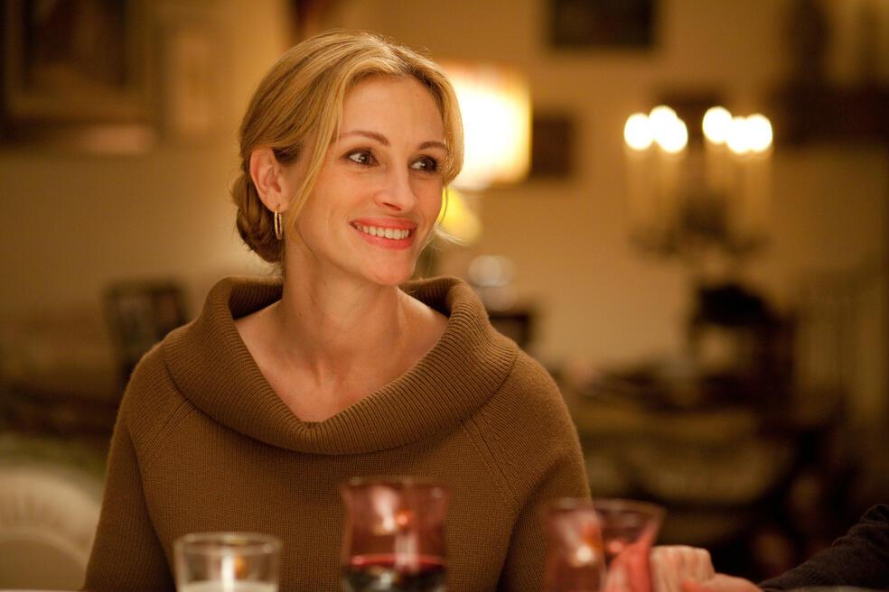 In Italien entdeckt Elizabeth Gilbert (JULIA ROBERTS), welch große Freude einem gutes Essen bereiten kann.