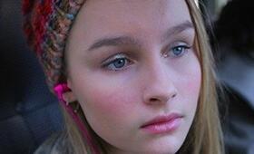 Olivia DeJonge - Bild 8