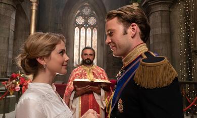 A Christmas Prince: The Royal Wedding mit Rose McIver und Ben Lamb - Bild 6