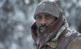 Zwischen zwei Leben - The Mountain Between Us mit Idris Elba - Bild 13