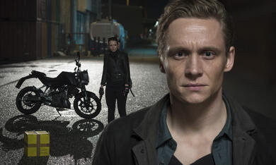 You Are Wanted, You Are Wanted Staffel 1 mit Matthias Schweighöfer - Bild 9