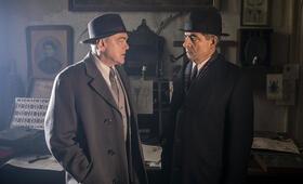 Kommissar Maigret: Die Nacht an der Kreuzung mit Rowan Atkinson - Bild 3