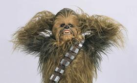 Peter Mayhew in Star Wars III - Die Rache der Sith - Bild 7