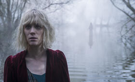 The Turning mit Mackenzie Davis - Bild 8