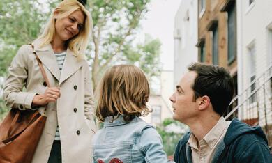 A Kid Like Jake mit Jim Parsons, Claire Danes und Leo James  Davis - Bild 1