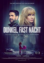 Dunkel, fast Nacht Poster