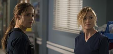 Station 19: Andy Herrera (Jaina Lee Ortiz) und Meredith Grey (Ellen Pompeo)
