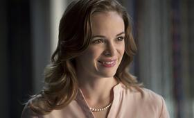 Danielle Panabaker in The Flash - Bild 9