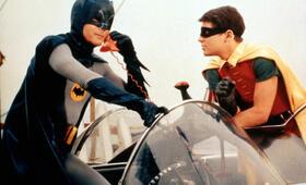 Batman hält die Welt in Atem mit Adam West und Burt Ward - Bild 2