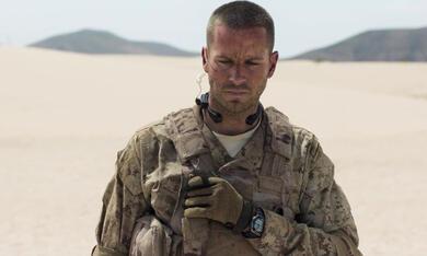 Überleben - Ein Soldat kämpft niemals allein mit Armie Hammer - Bild 3