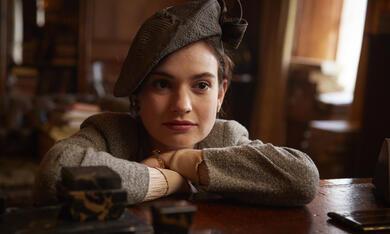 Deine Juliet mit Lily James - Bild 10