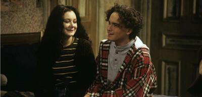 Sara Gilbert und Johnny Galecki in Roseanne