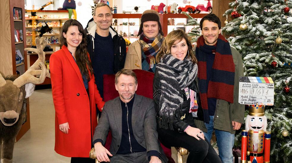 Auf einmal war es Liebe mit Kostja Ullmann, Julia Hartmann, Johannes Allmayer, Kim Riedle und André Erkau