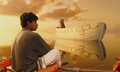 Life of Pi: Schiffbruch mit Tiger mit Suraj Sharma - Bild 1