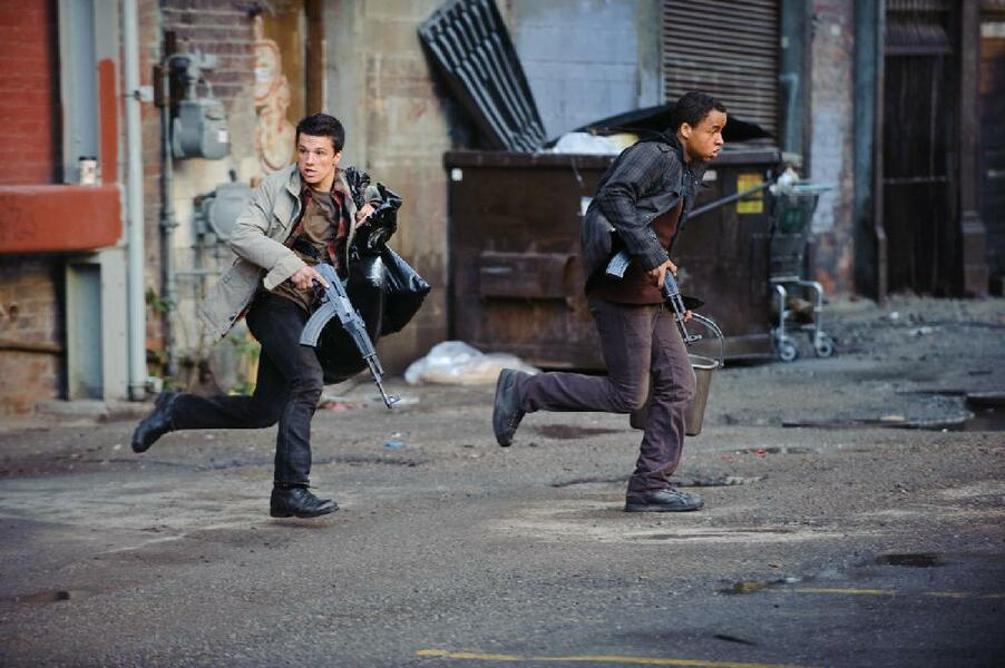 Red Dawn mit Josh Hutcherson und Connor Cruise