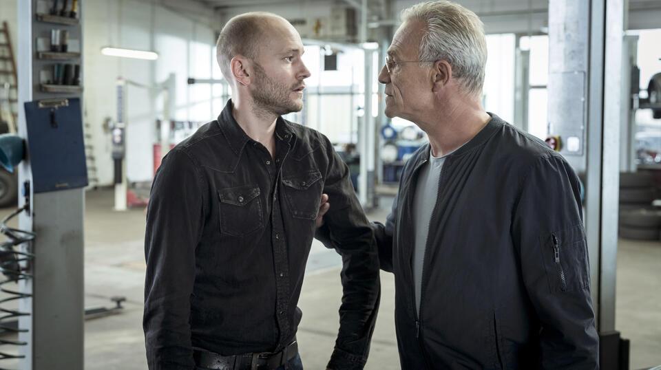 Tatort: Mitgehangen mit Klaus J. Behrendt und Moritz Grove
