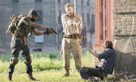 Man Down mit Shia LaBeouf, Jai Courtney und Clifton Collins Jr. - Bild 7