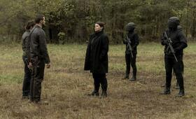 The Walking Dead: World Beyond, The Walking Dead: World Beyond - Staffel 1 mit Julia Ormond und Nico Tortorella - Bild 1