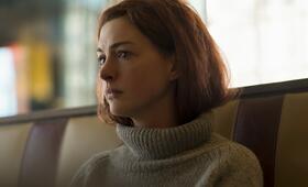 Modern Love, Modern Love - Staffel 1 mit Anne Hathaway - Bild 19