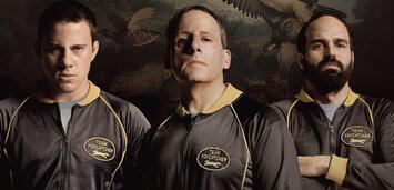 Bild zu:  Channing Tatum (Mark Schultz), Steve Carell (John DuPont), Mark Ruffalo (Dave Schultz)