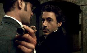 Sherlock Holmes mit Robert Downey Jr. und Jude Law - Bild 3
