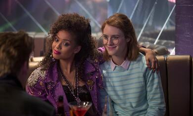 Black Mirror Staffel 3, Black Mirror mit Mackenzie Davis und Gugu Mbatha-Raw - Bild 7