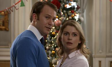 A Christmas Prince: The Royal Wedding mit Rose McIver und Ben Lamb - Bild 2