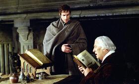 Luther mit Peter Ustinov und Joseph Fiennes - Bild 3