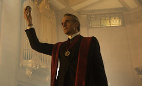 Assassin's Creed mit Jeremy Irons - Bild 3