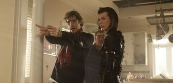 Paul W.S. Anderson mit Frau Milla Jovovich am Set von Resident Evil: Retribution