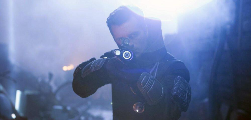Future Man - Josh Hutcherson als zeitreisender Antiheld im ersten Serien-Trailer
