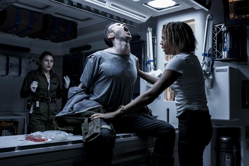 Alien: Covenant mit Carmen Ejogo