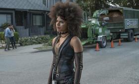 Deadpool 2 mit Zazie Beetz - Bild 14