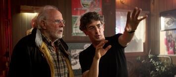 Bild zu:  Alexander Payne mit Bruce Dern am Set von Nebraska