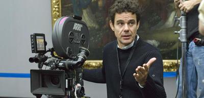 Tom Tykwer am Set seines Hollywood-Films The International
