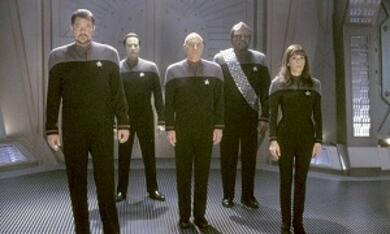 Star Trek - Nemesis mit Patrick Stewart, Jonathan Frakes, Brent Spiner, Michael Dorn und Marina Sirtis - Bild 12
