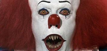 Bild zu:  Tim Curry als Clown Pennywise in Stephen Kings Es