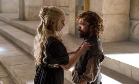 Staffel 6 mit Peter Dinklage und Emilia Clarke - Bild 143