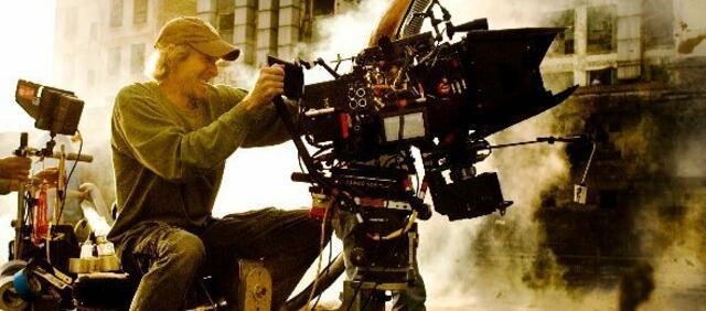 Michael Bay am Set von Transformers 4