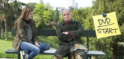 Griesgrämig: Henri mit seiner neuen Mitbewohnerin
