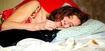 Bild zu:  Isabelle Huppert in Alles, was kommt