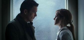 Ethan Hawke und Emma Watson in Regression