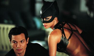 Catwoman mit Halle Berry und Benjamin Bratt - Bild 2