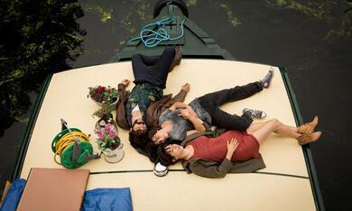 Anker der Liebe mit Natalia Tena, Oona Chaplin und David Verdaguer - Bild 2