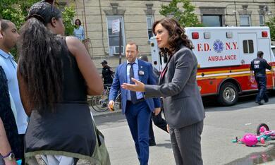 Blue Bloods - Crime Scene New York - Staffel 12 - Bild 4