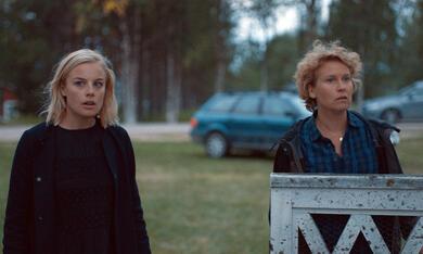 Rebecka Martinsson: Weiße Nacht mit Ida Engvoll und Eva Melander - Bild 5